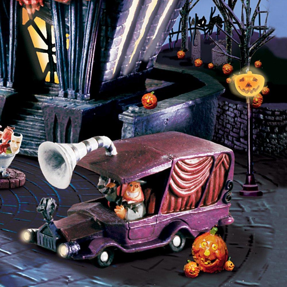 Amazon.com: Tim Burton\'s The Nightmare Before Christmas Village Town ...