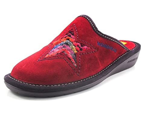 3675feb31d0 Zapatillas Nordikas Estrella roja - 42  Amazon.es  Zapatos y complementos