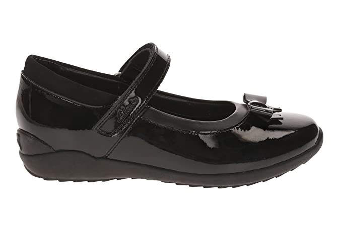 923bf453d113 Clarks 1889-06F TING Fever INF Black Patent Kids School Shoes   Amazon.co.uk  Shoes   Bags