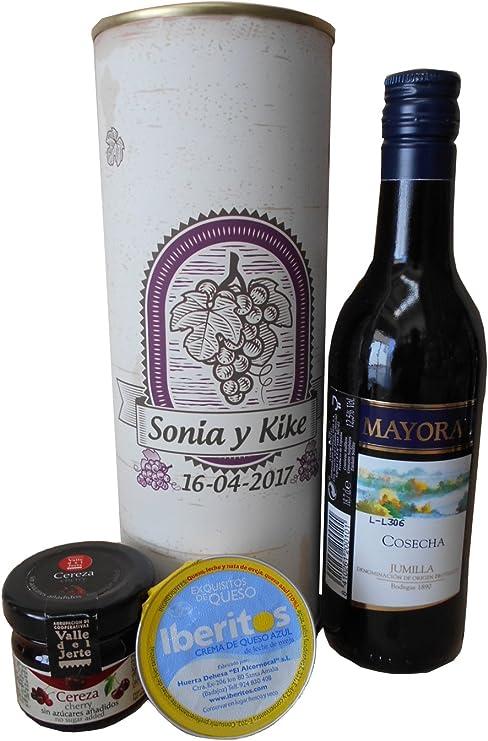 Botella de vino tinto Mayoral con crema de queso azul y mermelada ...