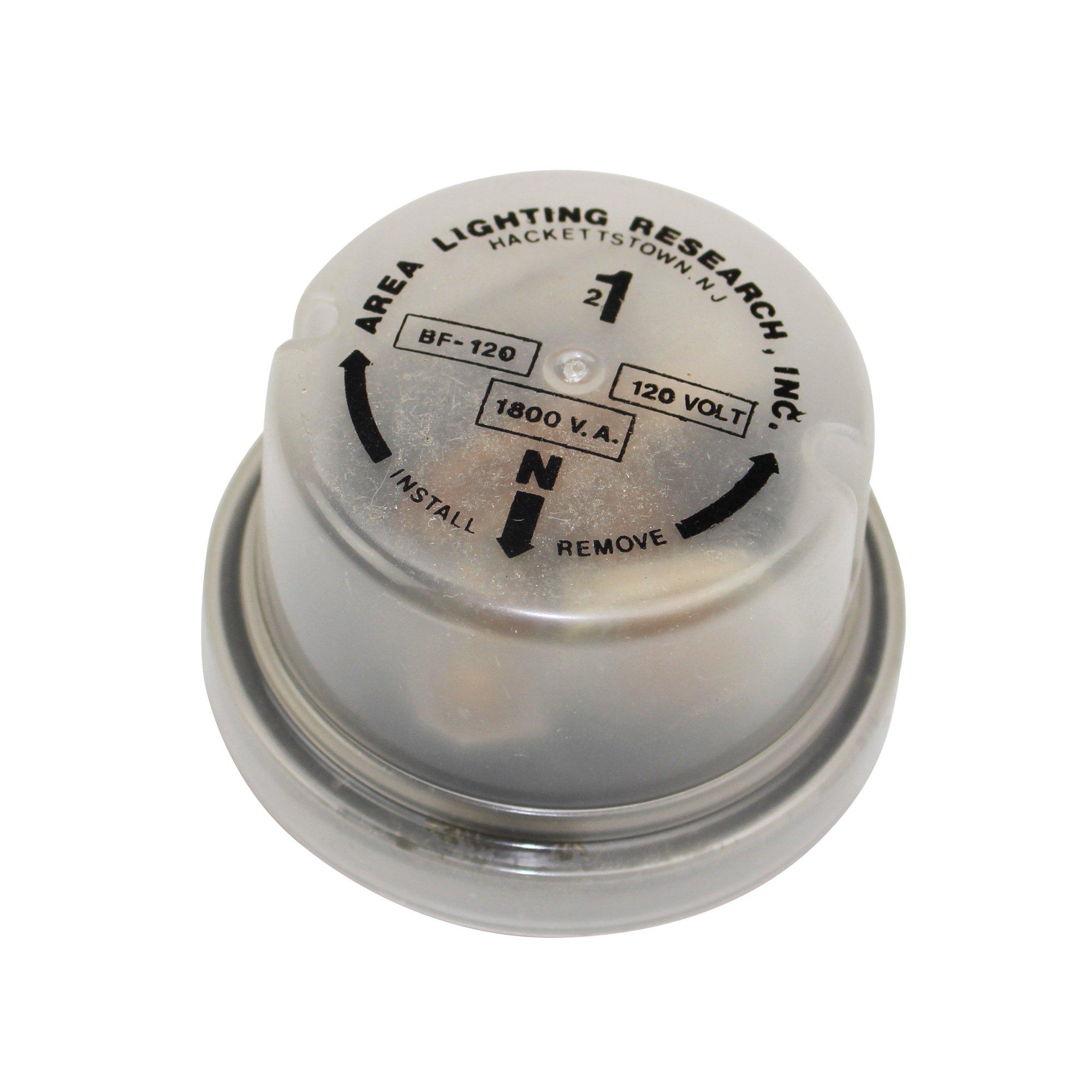 Raychem TE BF-120 Photoelectric Sensors 3 Pole Twist Lock Photo Cell, Gray