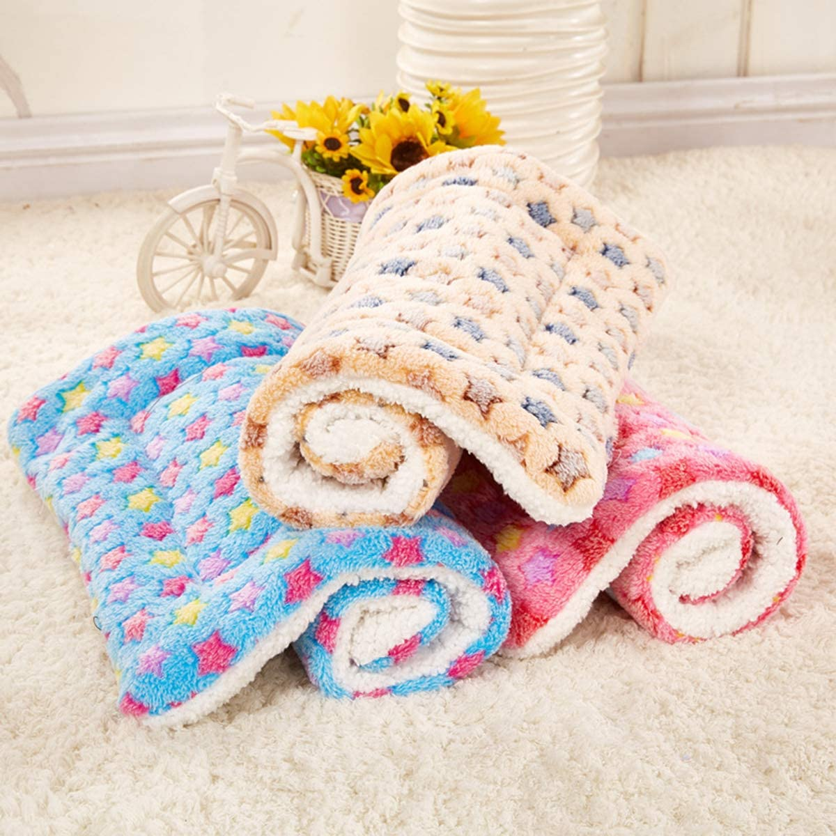 Bed for Pet Mat Soft Cushion Warm Quilt Cotton Smoro Dog Blanket Fleece Pet Blanket for Dogs Cats