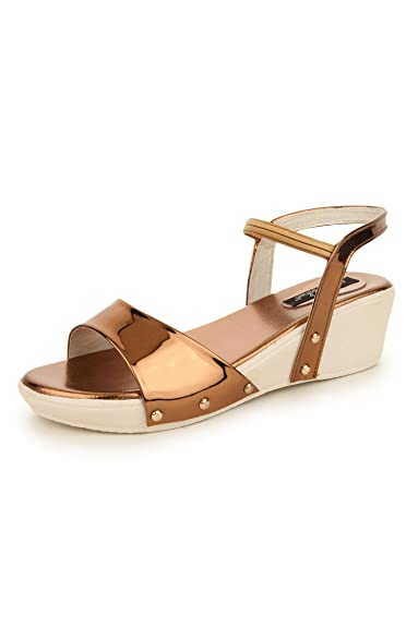 ef813baef983 Funku Fashion Brown Platforms Heels  Buy Online at Low Prices in ...