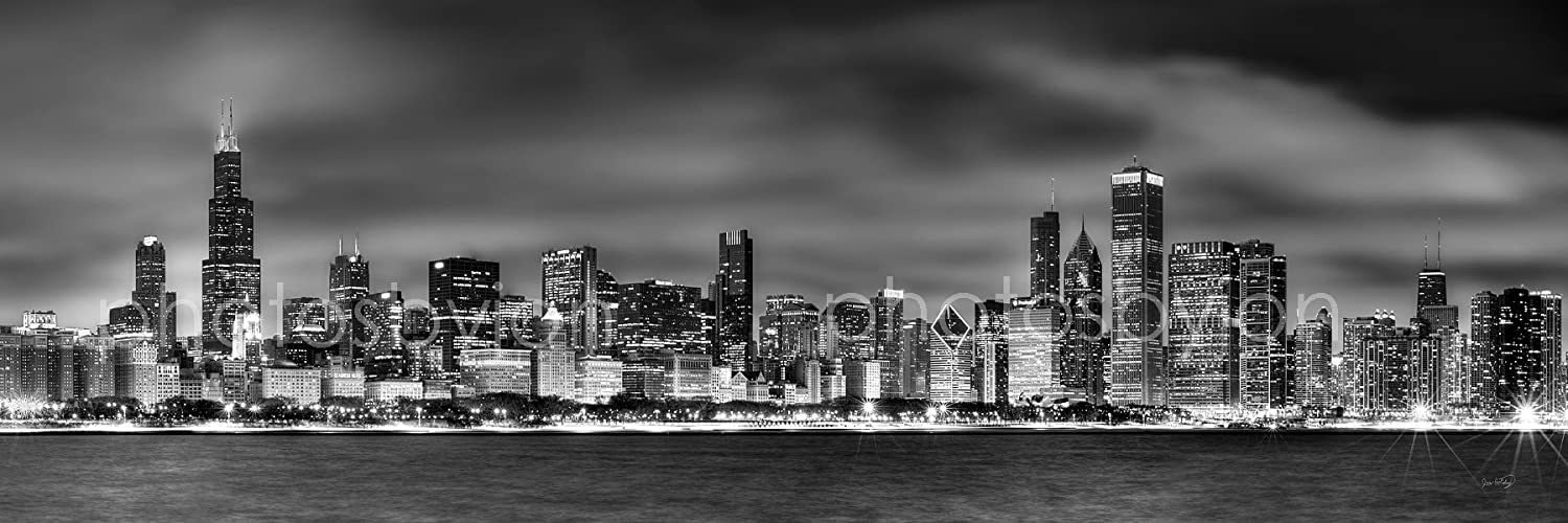 Amazon com canvas chicago skyline at night black white bw 11 inches x 34 inches city downtown photographic panorama print picture posters prints