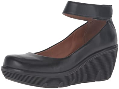 7c9764469087 CLARKS Women s Clarene Tide Wedge Pump