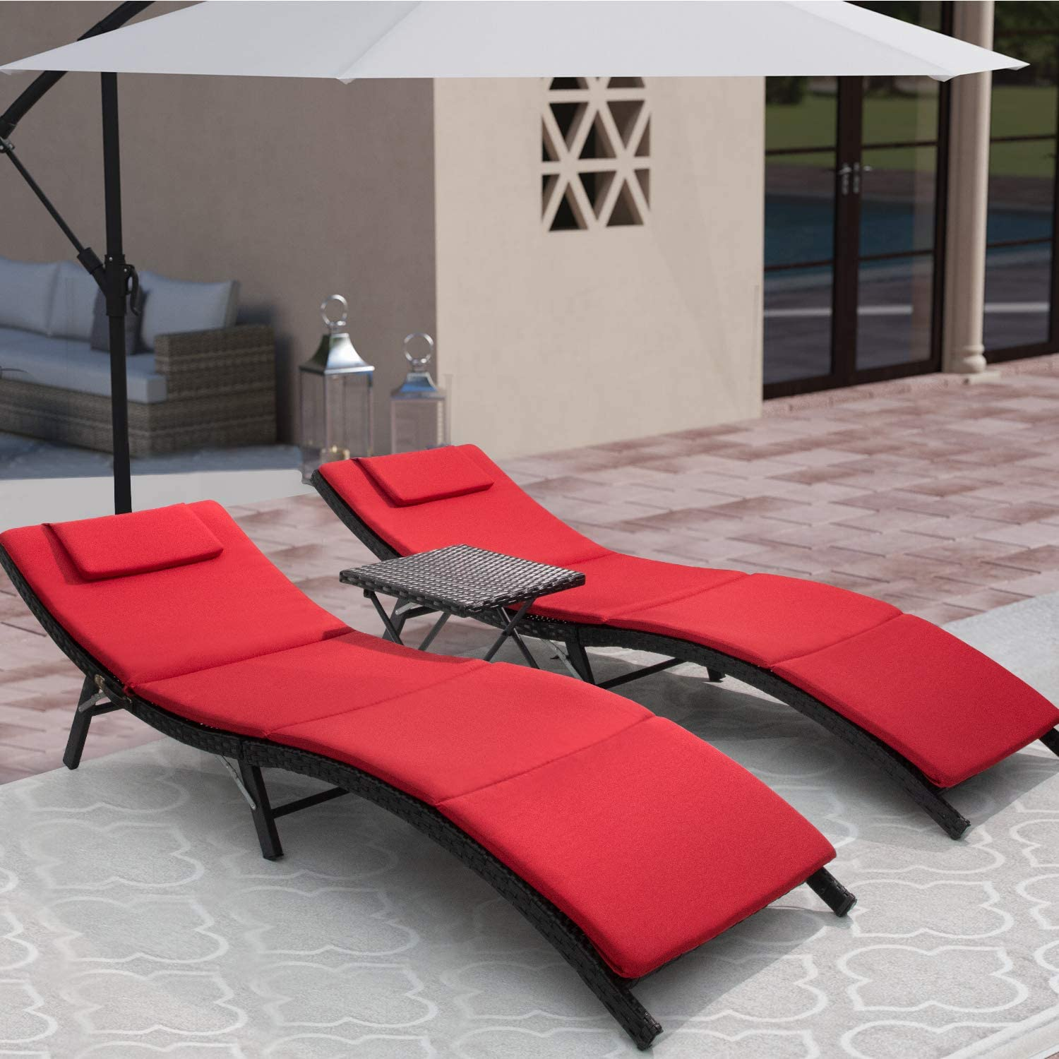 Flamaker 3 Pieces Patio Chaise Lounge with Cushions Unadjustable Modern Outdoor Furniture Set PE Wicker Rattan Backrest Lounger Chair Patio Folding Chaise Lounge with Folding Table