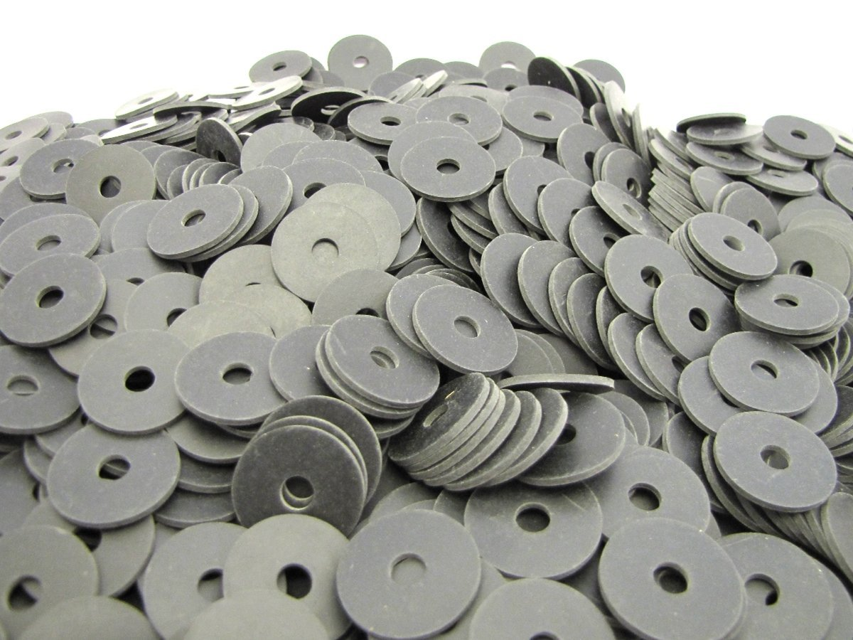 (300) Endeavor Series Neoprene Rubber Fender Washers - 1'' OD x 1/4'' ID x 1/16'' Thickness 60 Duro Shore A Hardness