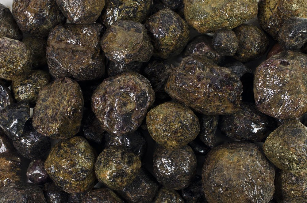 Fantasia Materials: 2 lbs Large Mud Garnet Rough Stones from India - Raw Natural Crystals for Cabbing, Cutting, Lapidary, Tumbling, Polishing, Wire Wrapping, Wicca & Reiki Healing
