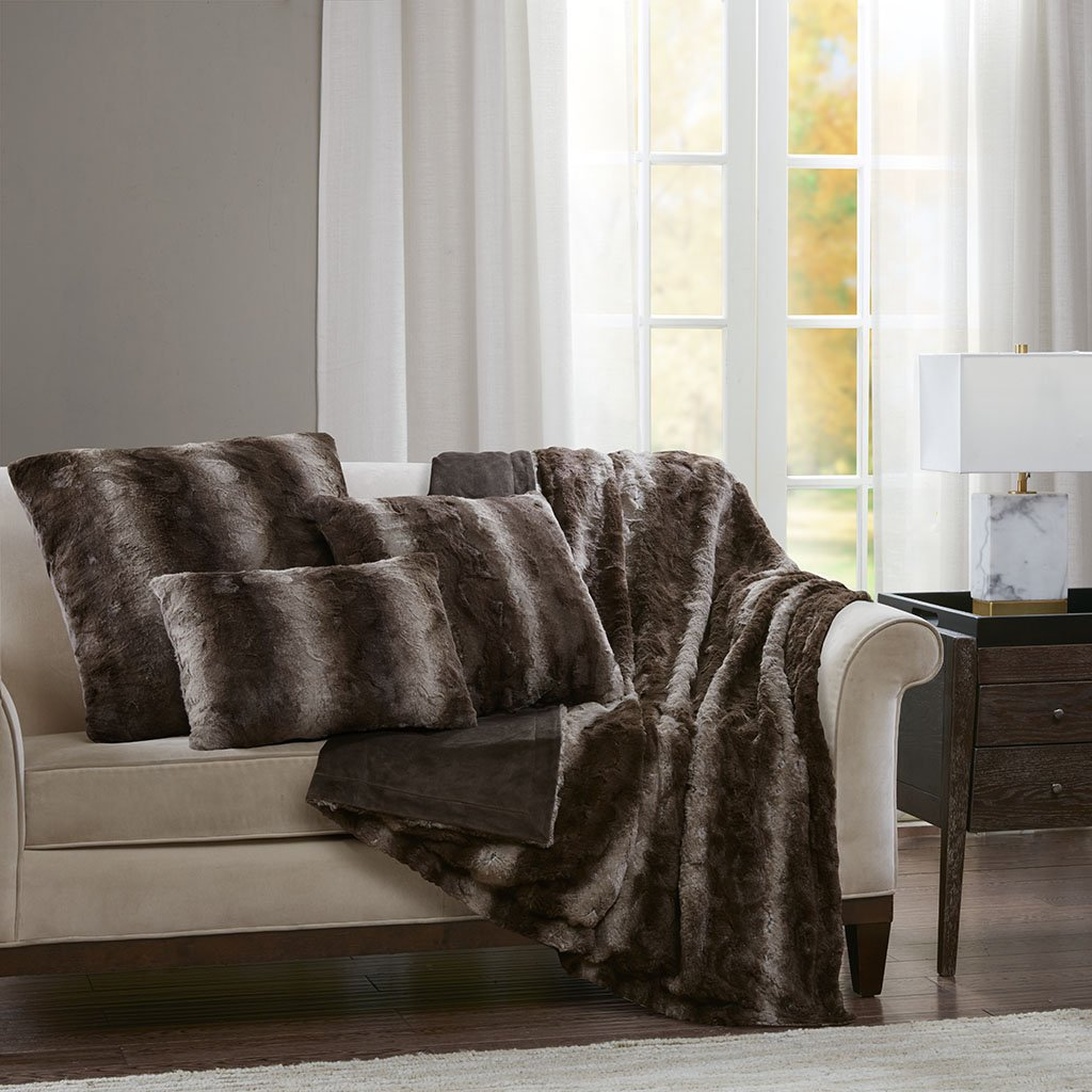 Madison Park Zuri Faux Fur Modern Accent Throw Pillow, Luxury Animal Oblong Decorative Pillow, 14'' W X 20'' L, Chocolate