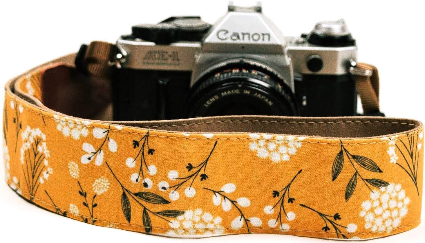 Camera Strap-Camera Strap Cover-Padded Camera Strap Cover Lens Cap Pocket-Photographer Gift-rosa violet pink floral