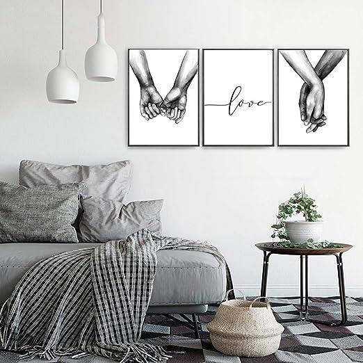 Nordic Ideas Set de 3 Affiches Noir et Blanc Tenant par la ...