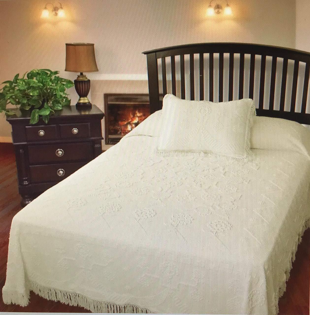 Antique Twin Martha Washington's Choice Bedspread - Twin - White - with String Fringe