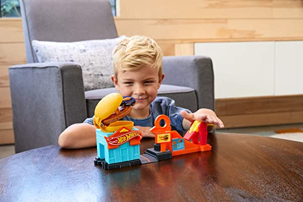 Hot Wheels Downtown Burger Dash Playset toy for kids