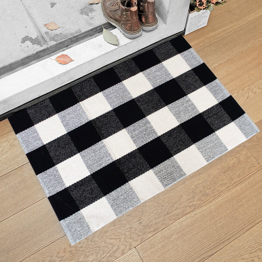 Ustide 2'x3' Black and White Plaid Rugs Washable Handmade Rug for Kitchen/ Bathroom/ Entry Way/ Laundry Room/ Living Room by USTIDE