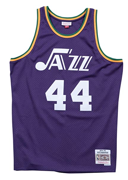 870c51a8d2fb Amazon.com   Mitchell   Ness Pete Maravich New Orleans Jazz NBA Swingman  74-75 HWC Jersey   Clothing