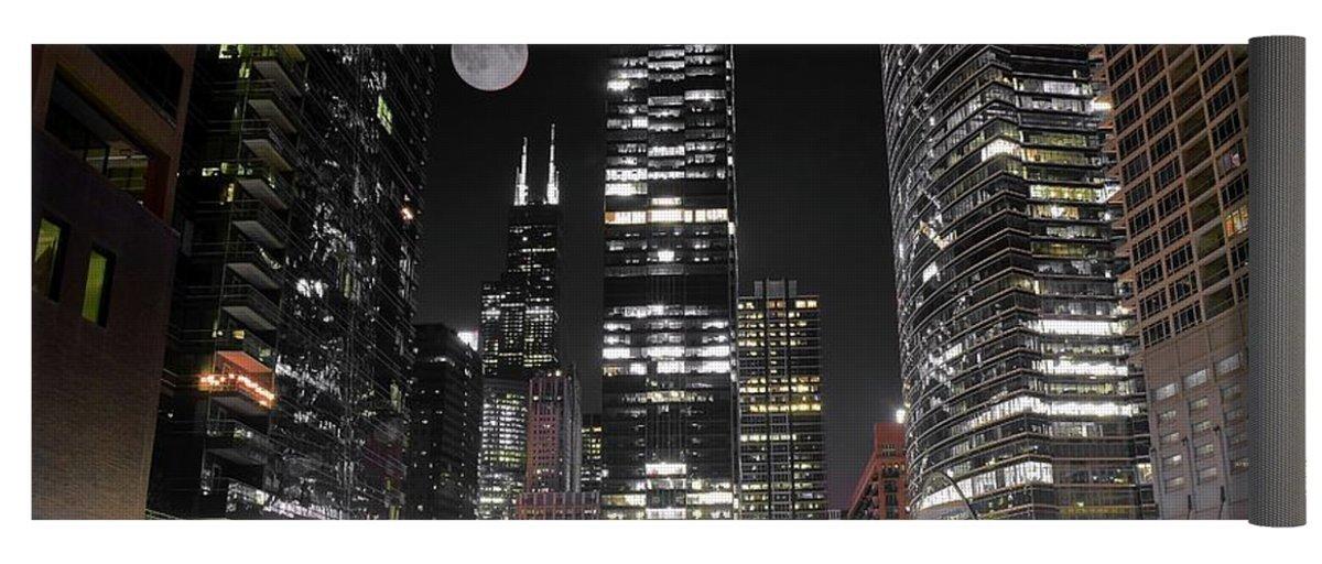 Pixels Yoga Mat w/ Bag ''Chicago Towers 2017 ''