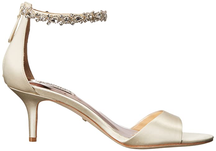 dd078f6bfc8 Amazon.com  Badgley Mischka Women s Geranium Heeled Sandal  Shoes