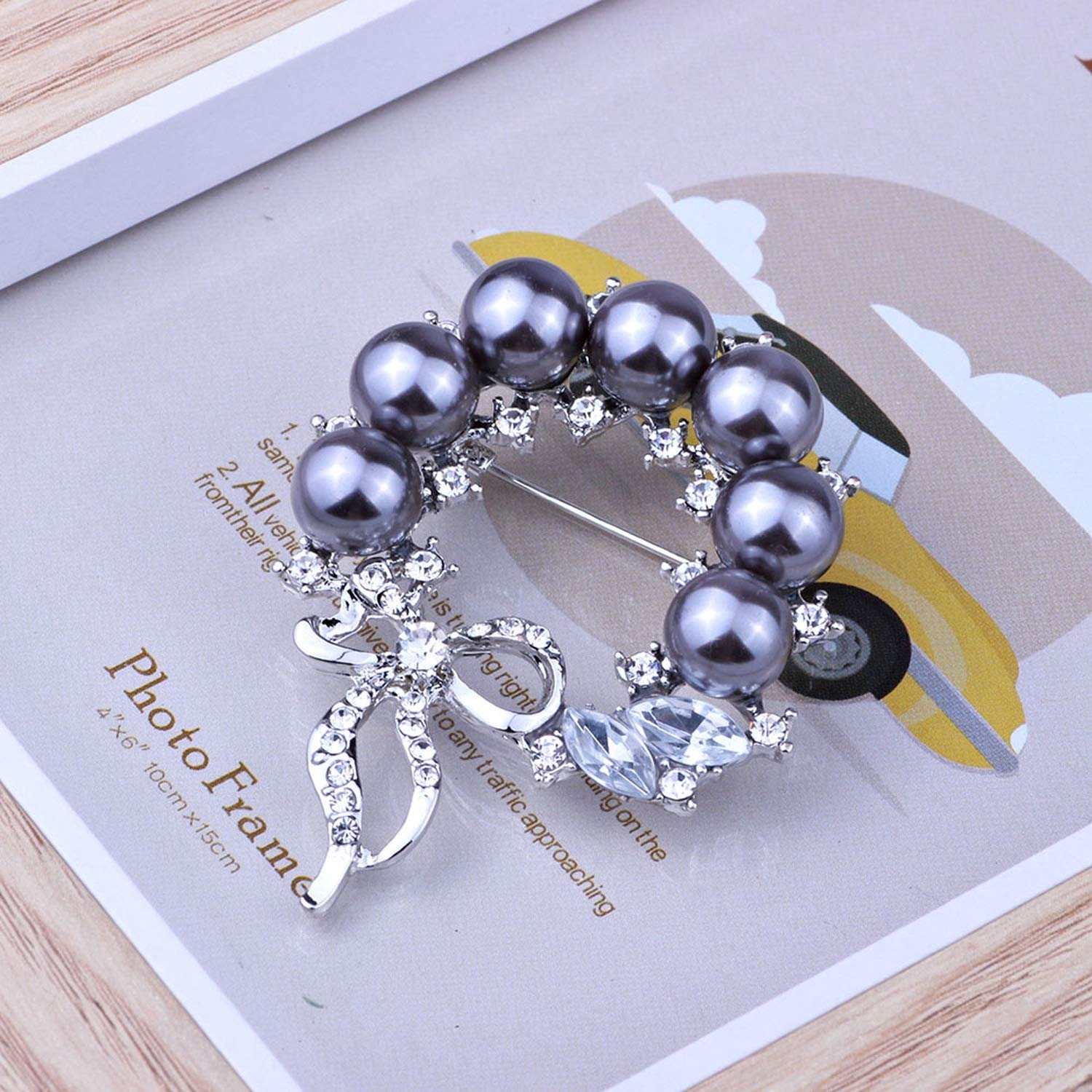 Jewelry Retro Simulated Pearl Elegant Flower Scarf Pins and Brooches Full Rhinestones Brooch for Women