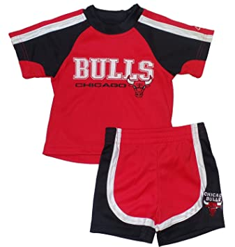 low cost 86111 fdf72 Amazon.com: Chicago Bulls Toddler Jersey and Shorts Set - 4T ...