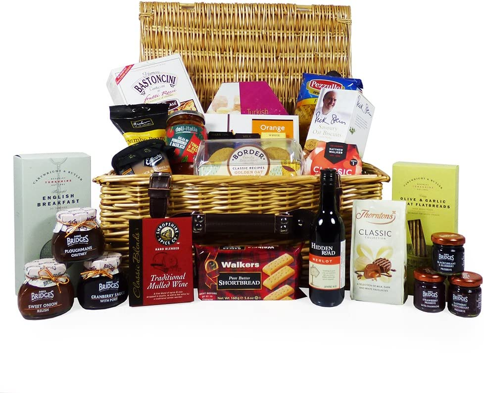 The Traditional Wicker Food And Wine Gift Hamper 25 Items Gift Ideas For Valentines Mother S Day Birthday Wedding Anniversary Business And Corporate Christmas Amazon Co Uk Grocery