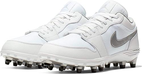 Amazon Com Jordan Men S Football Cleat 1 Td Low Ar5292 101 White Metallic Silver Metallic Silver 7 D M Us Football