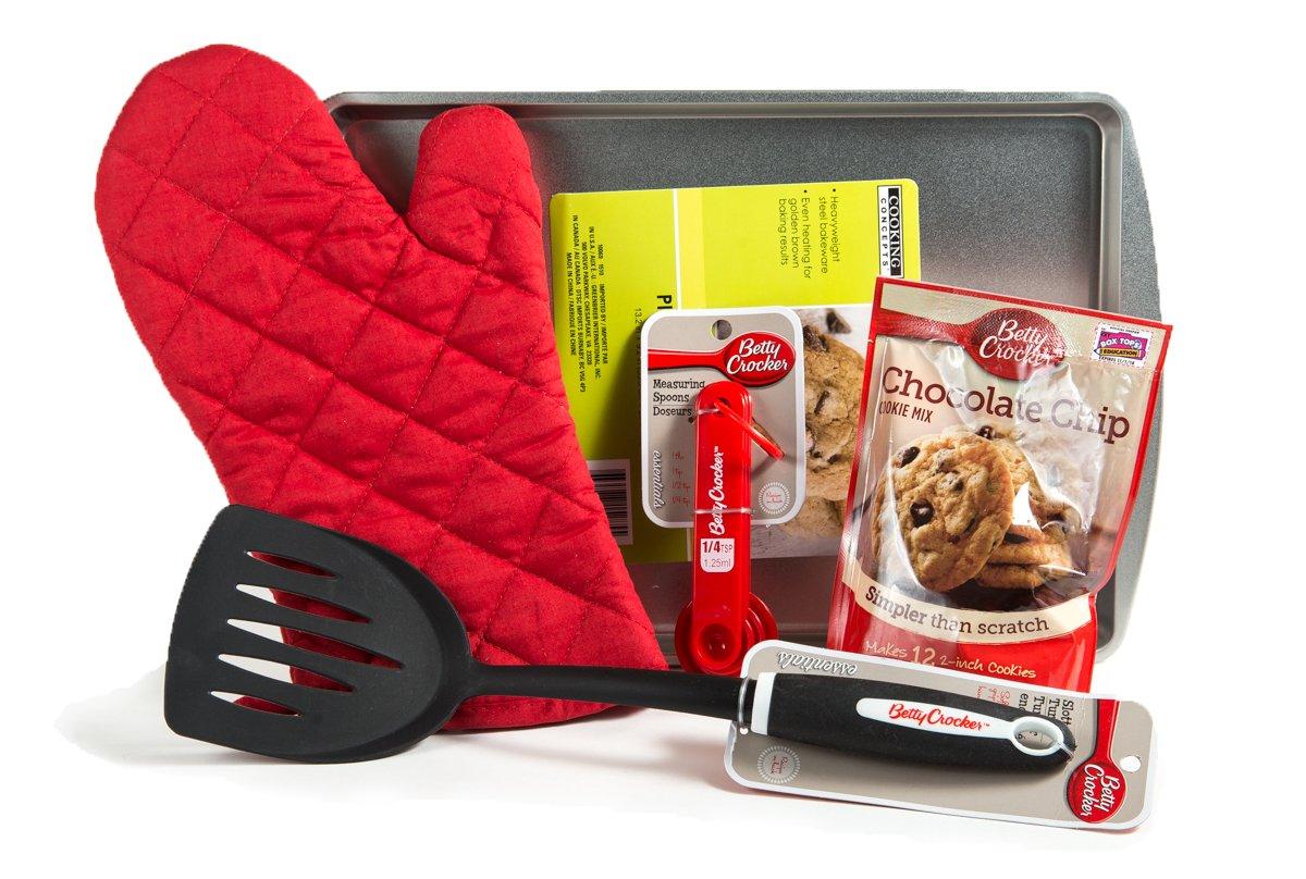 Chocolate Chip Cookie 5 Piece Baking Bundle - Cookie Sheet, Oven Mitt, Measuring Spoons, Nylon Turner/Spatula, Betty Crocker Cookie Mix