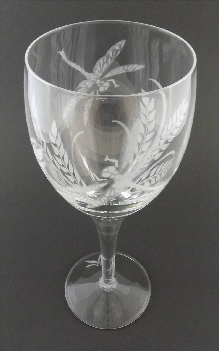 c811b38ab74 IncisoArt Hand Etched Italian Crystal Goblet Sandblasted (Sand Carved)  Handmade Wine Water Glass Engraved (Dragonfly Grass, 340 Milliliter (11.5  ...