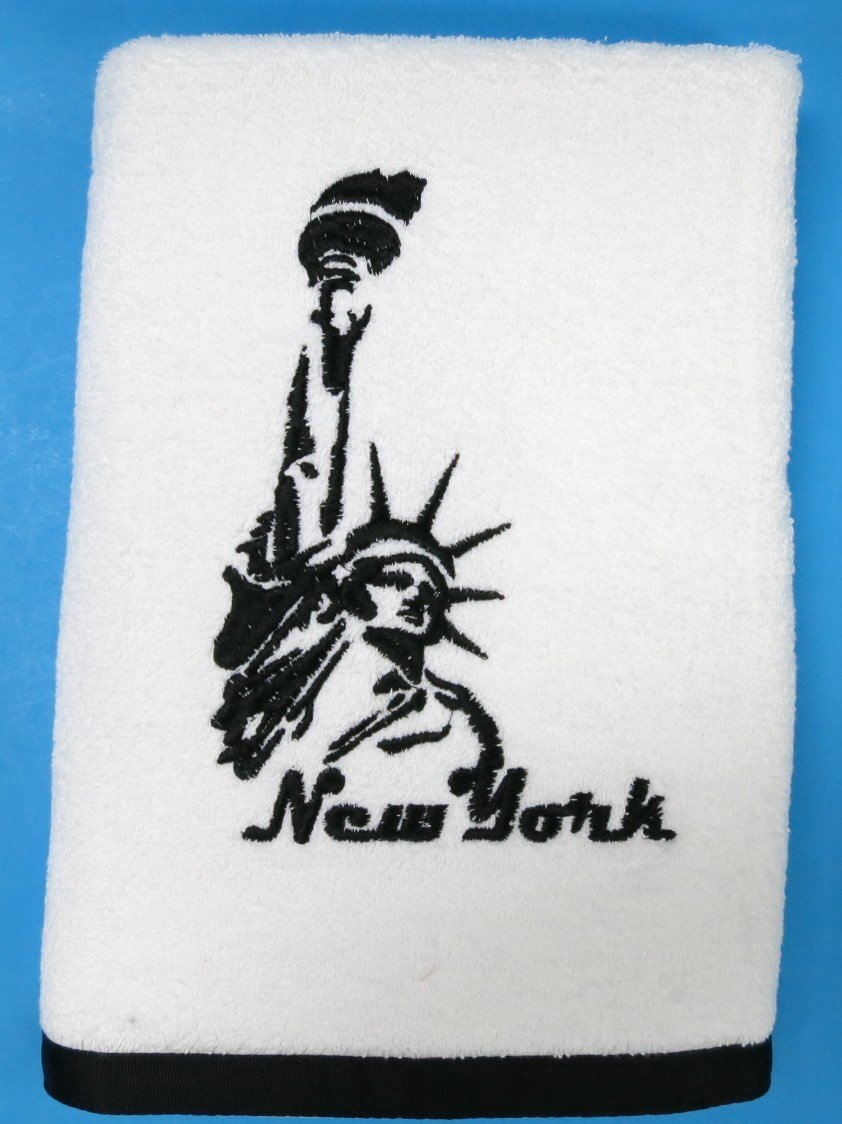Set of 2 New York Statue of Liberty Bath Towels