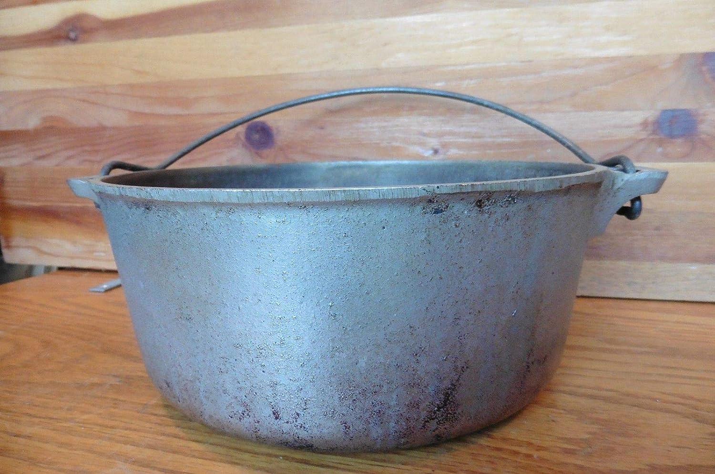 Vintage Griswold No.7 Cast Iron Tite-Top Dutch Oven 2603 E Antique 1920 pot