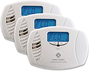 First Alert Dual-Power Plug-In Carbon Monoxide Detector with Battery Backup and Digital Display, 3-Pack,CO615
