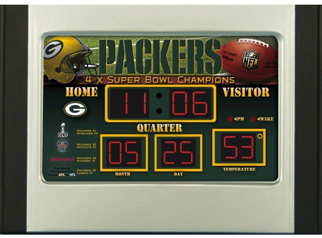 Amazoncom NFL Chicago Bears Scoreboard Desk Clock Sports Fan