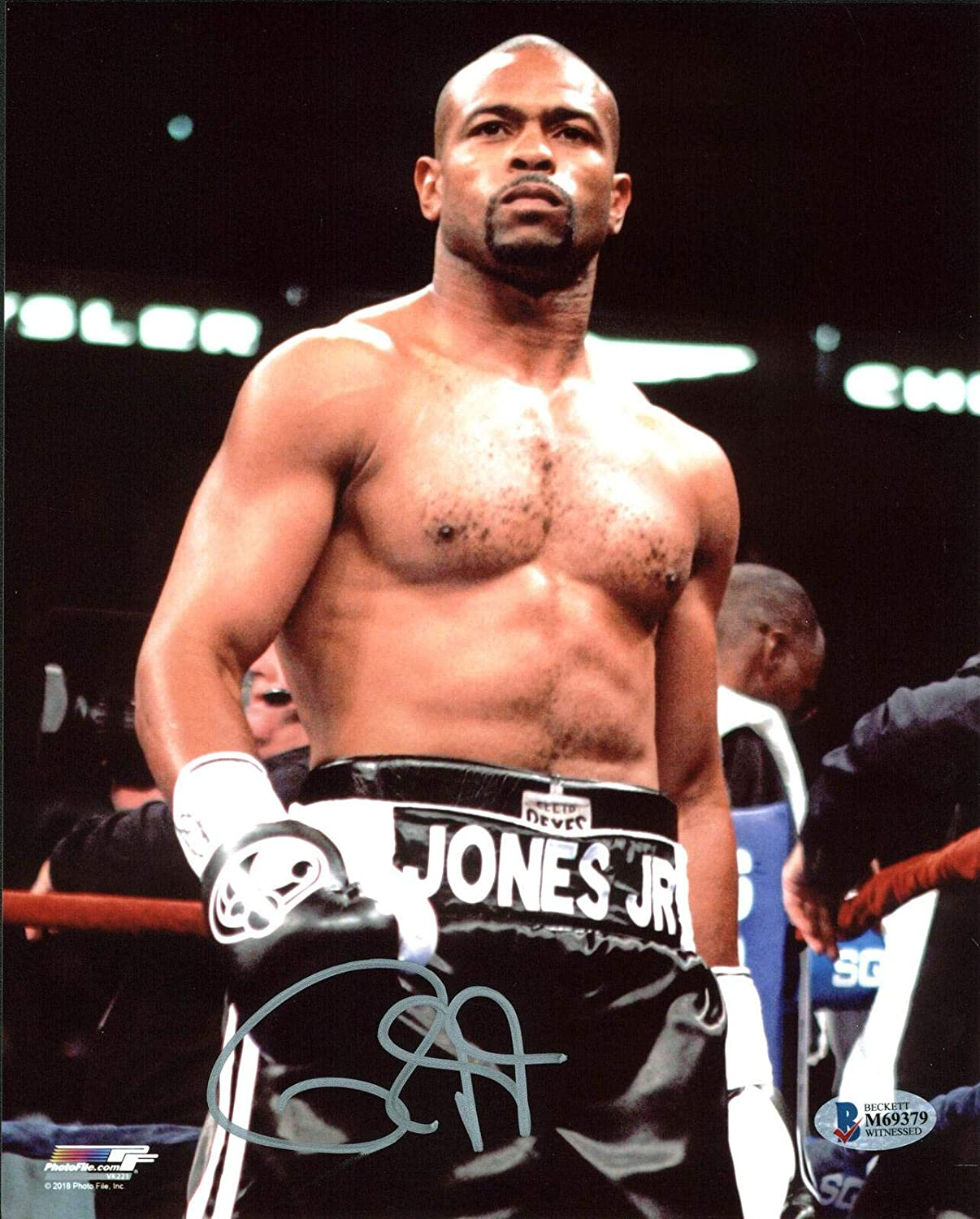 Roy Jones Jr. Autographed Picture - Vertical 8x10 BAS Witnessed 1 ...