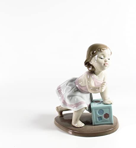 Lladro Figurine My First Step 6428