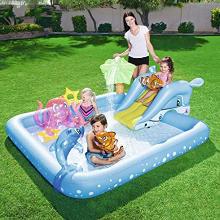 Niños jugando al billar piscina inflable cuadrada para bebés ...