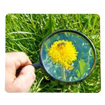 my-puzzle-design alfombrilla de ratón Hombre con la lupa investiga la flor y