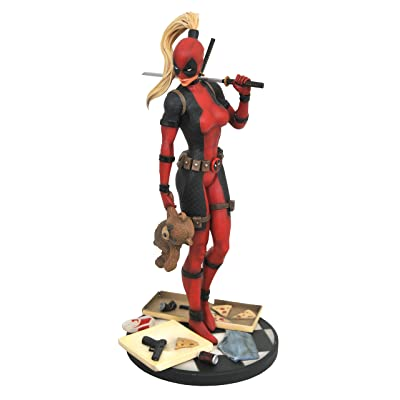 DIAMOND SELECT TOYS Marvel Premier Collection: Lady Deadpool Resin Statue: Toys & Games