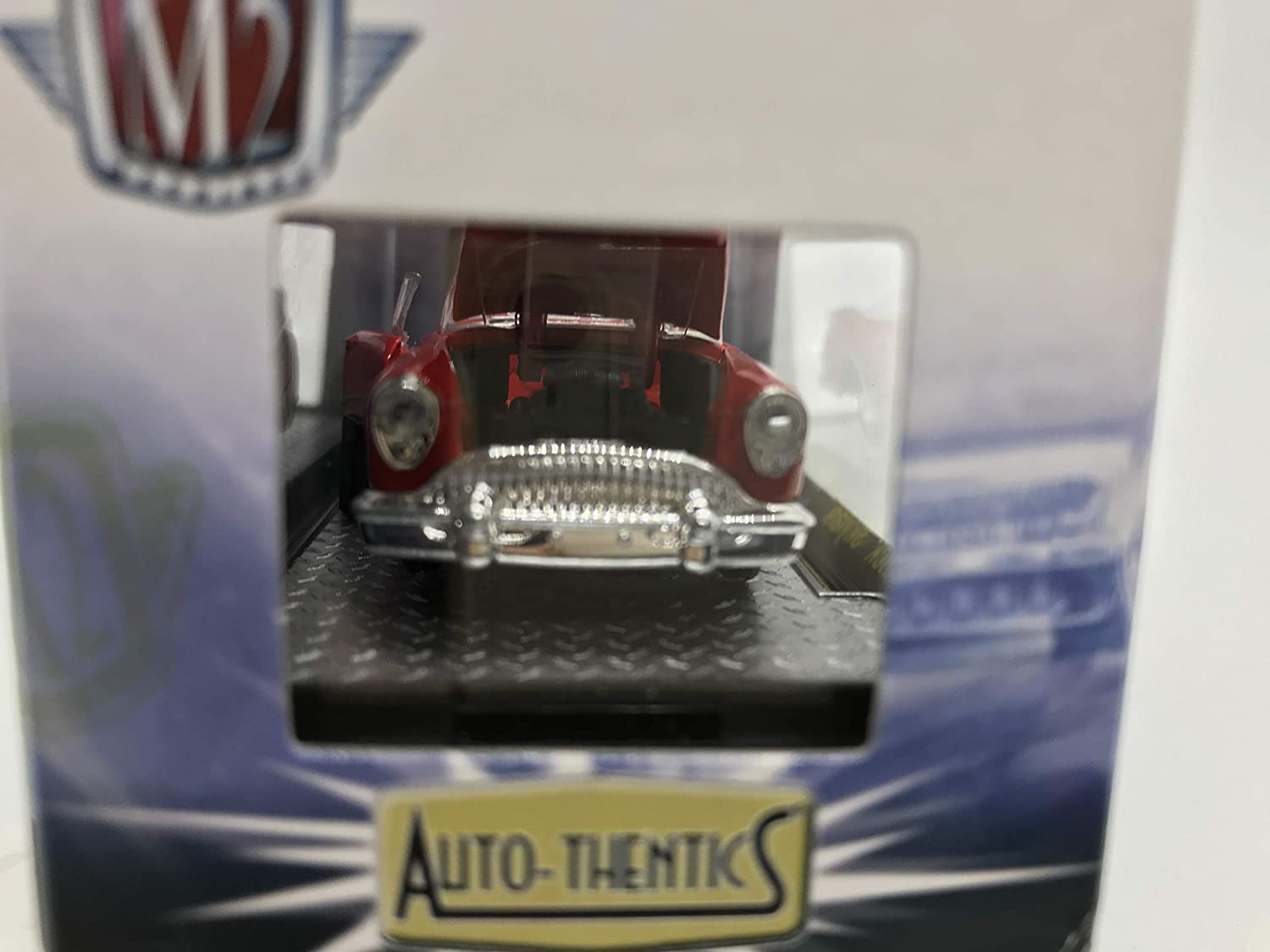M2 Machines Auto-Thentics 1954 Buick Skylark 1:64 Scale R27 13-11 Red Details Like NO Other Over 42 Parts 1 of 5000