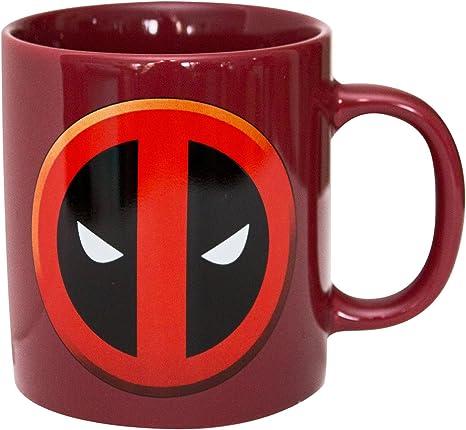 Amazon Com Deadpool 15 Oz Mondo Mug Marvel Comics Kitchen Dining