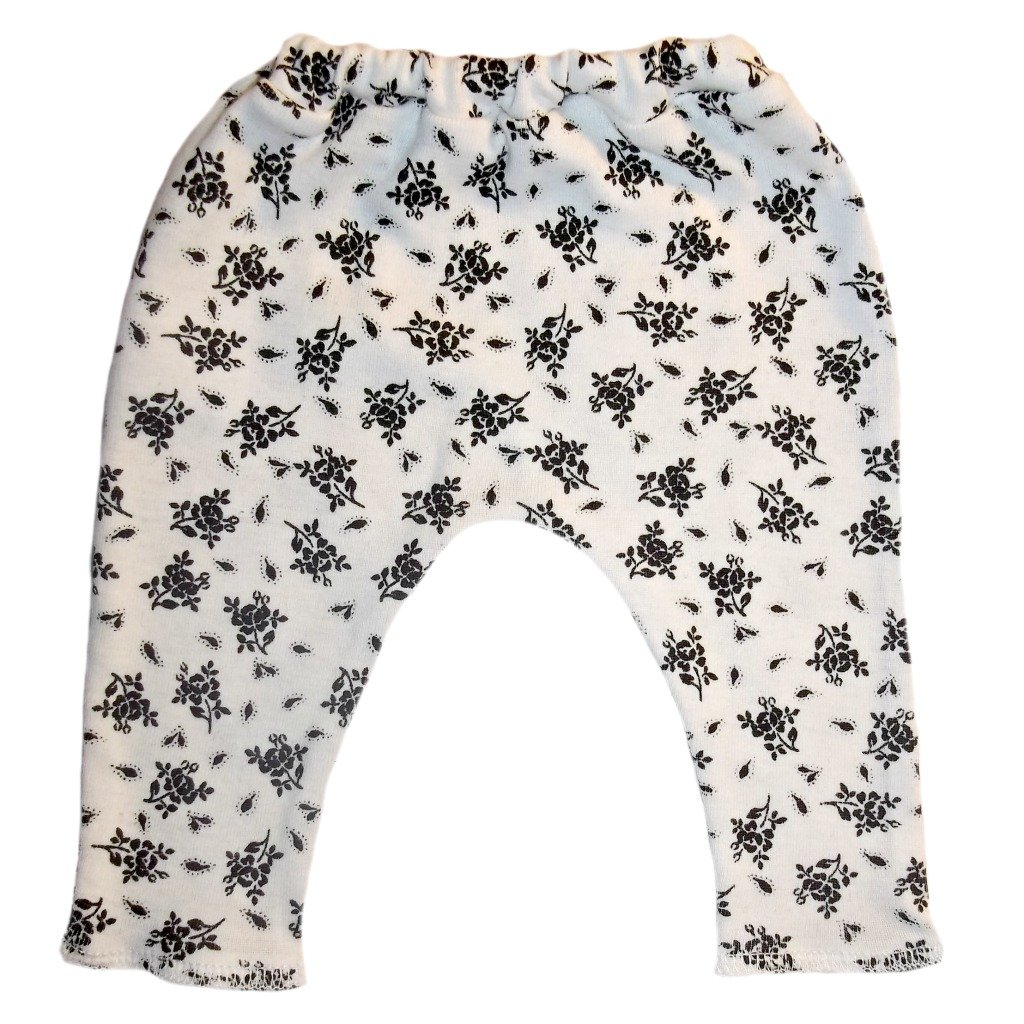 3-6 Months Jacquis Baby Girls White Leggings with Black Flowers