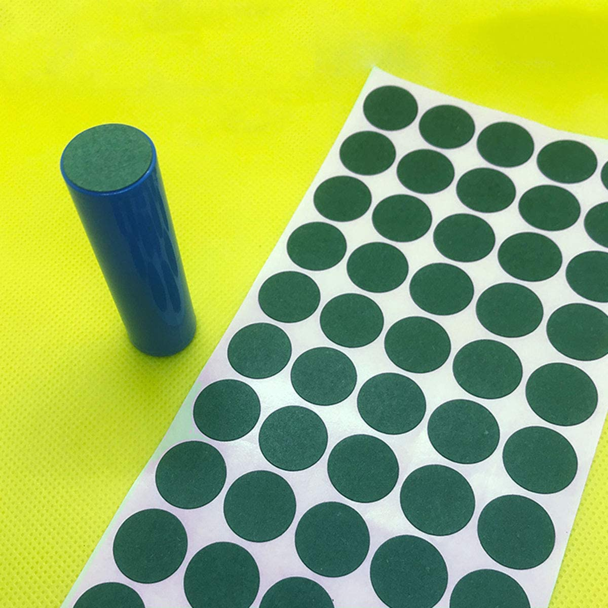 Red+Green E-outstanding 100pcs 18650 Lithium Battery Insulator Solid Round Shape Paper Pad Electrical Battery Insulation Sticker Insulating Adhesive Papers