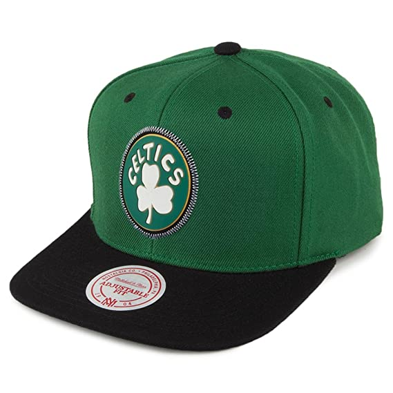 premium selection a2cf9 0877b Mitchell   Ness Boston Celtics Snapback Cap - Zig Zag - Green-Black  Adjustable