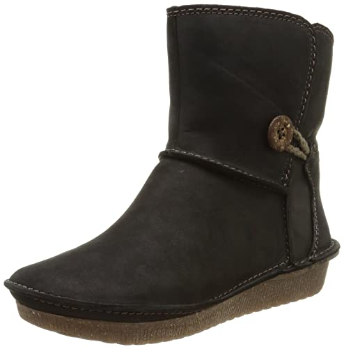 c81c0daaa9ff7 Clarks Women s Black Leather Boots - 9 UK India (43 EU)  Buy Online at Low  Prices in India - Amazon.in