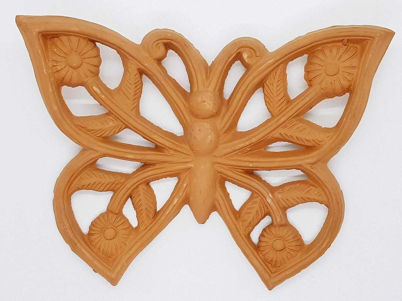 Farfalla in terracotta Le Ceramiche del Castello Nina Palomba Made in Italy Dimensioni 21 x 16 centimetri