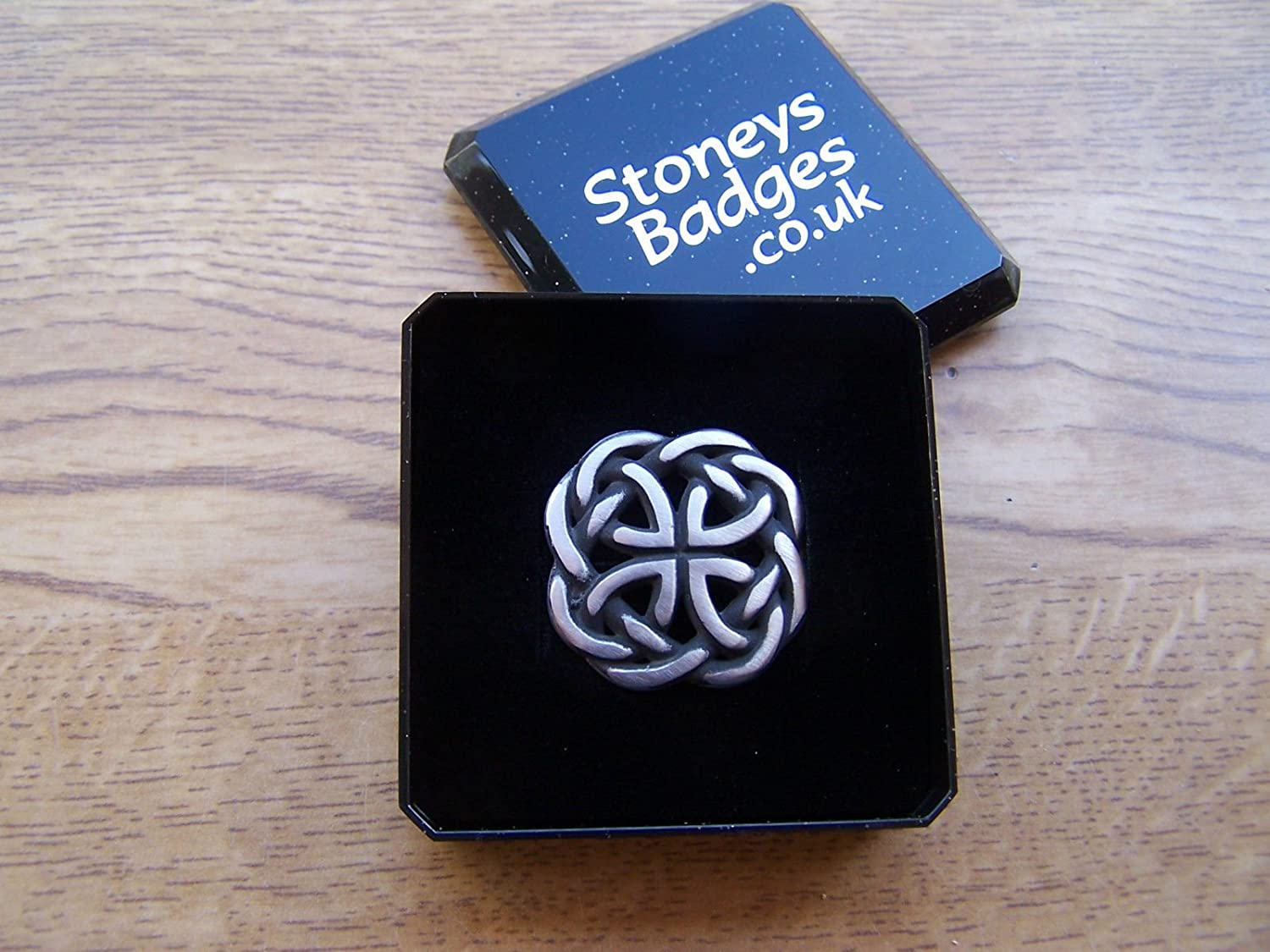 Celtic Knot Badge Pin Badge Boxed Gift Vintage Lapel FREE UK POST English Pewter