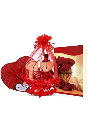 Buy Everyday Gifts Valentine S Day Gift For Him And Her Pack Online At Low Prices In India Amazon In