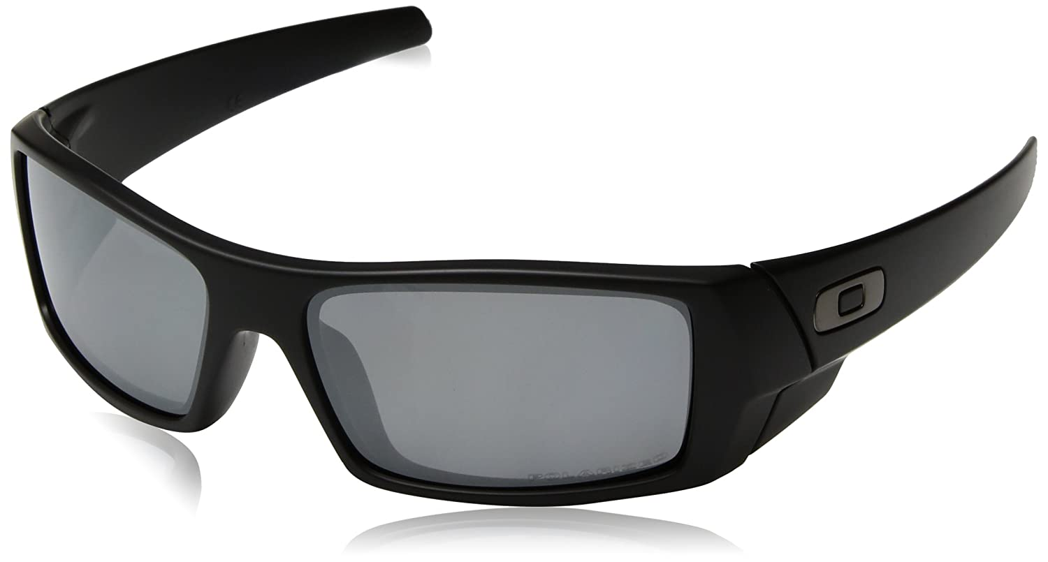 8981388d4a2 Amazon.com  Oakley Gascan Sunglasses Matte Black Black Iridium Polarized   Oakley  Clothing
