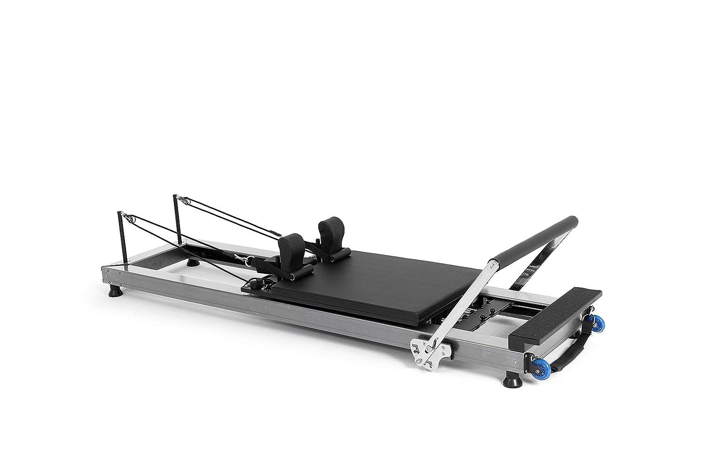 ELINA PILATES. Reformer HL1, Aluminium– Pilates-Gerät für Profis.Höhe des Tischs 22 cm. Der Reformer wurdevon führenden Pilates-Fachkräften weltweit entwickelt.