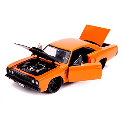 Plymouth 1970 Road Runner Orange with Black Hood Bigtime Muscle 1/24 Diecast Model Car by Jada 31325: Toys & Games