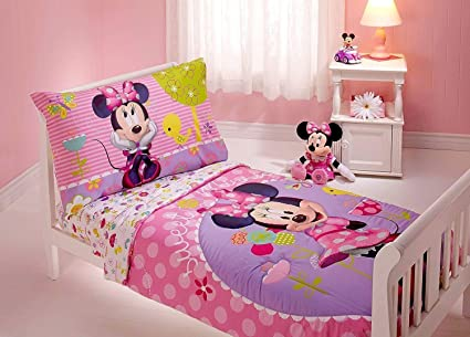 Amazon.com: Minnie Mouse 4 Piece Toddler Bedding Set: Home & Kitchen