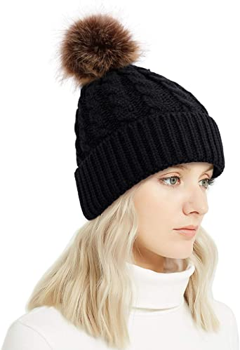 I Dont Wear Bows I Shoot Them Fine Knit Men Womens Flat Brim Stretchy Slouchy Beanie Hat